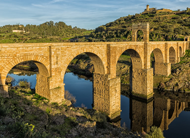 Extremadura: Ruta Isabelina II, los secretos de una reina