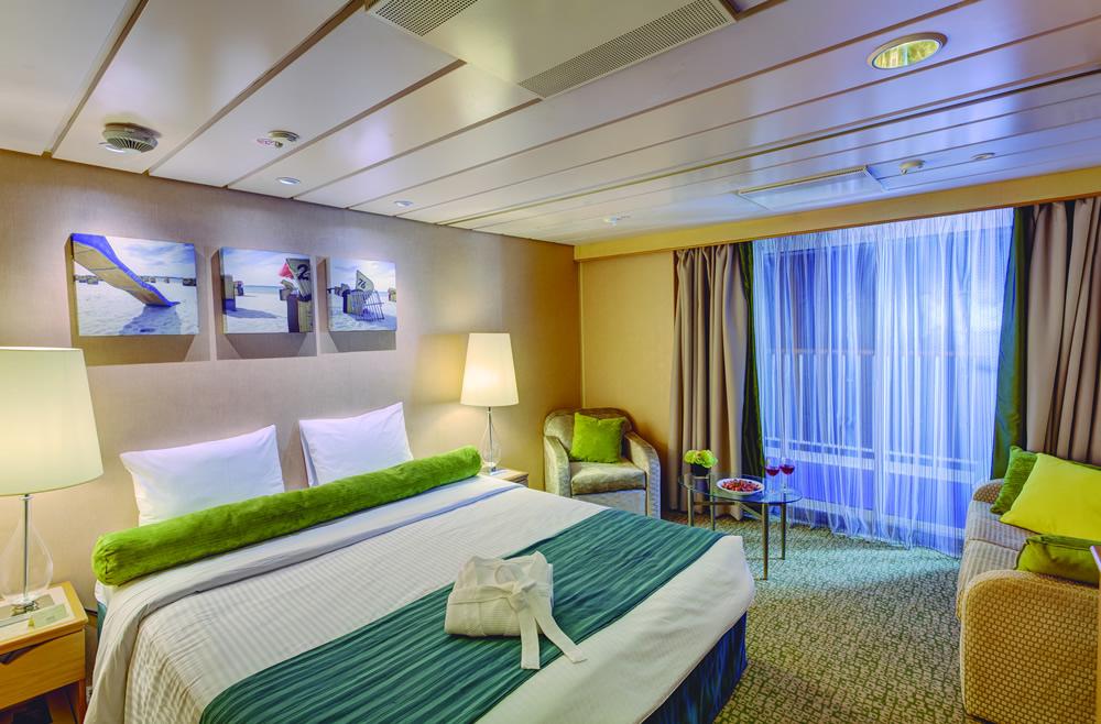 Medidas Baño Minusvalidos Bar:Categorías y camarotes del barco Monarch, Pullmantur – Logitravelcom