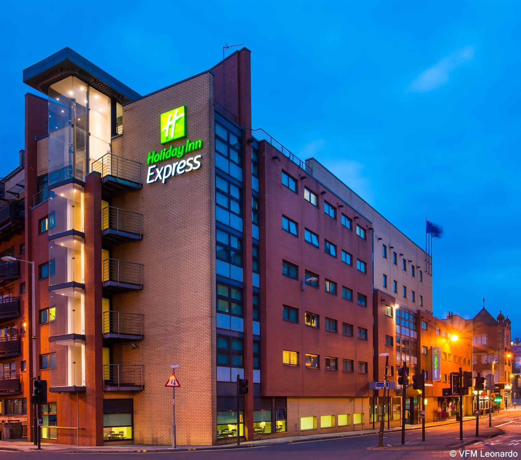 Hotel Express Holiday Inn Riverside