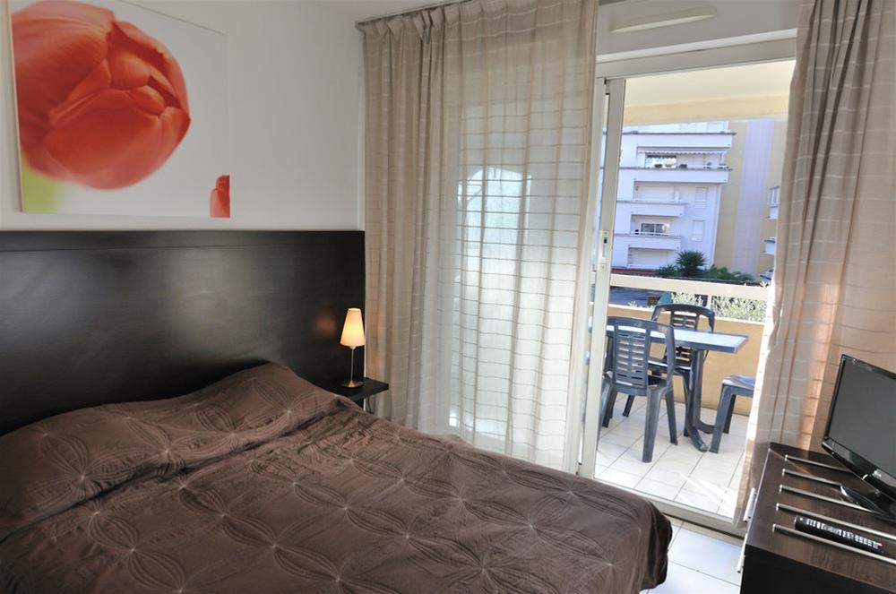 train paris cannes partir de 39 promos de billets tgv et sncf plus rapide et simple. Black Bedroom Furniture Sets. Home Design Ideas