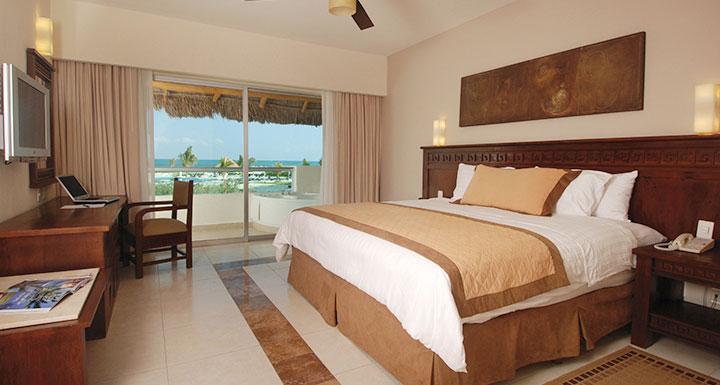 Hotel blue bay grand esmeralda riviera maya logitravel for Blue bay grand esmeralda deluxe v jardin