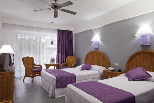 Hotel riu naiboa punta cana logitravel for Habitacion familiar riu vallarta