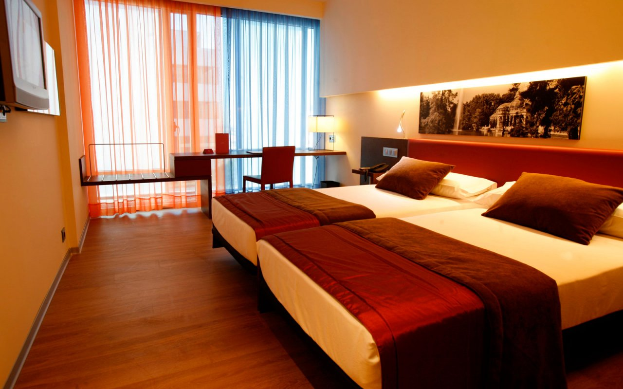 Ayre gran hotel colon madrid desde 24 logitravel for Hotel habitacion cuadruple madrid