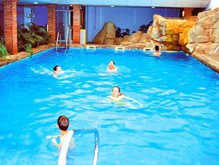 Aparthotel playaluna almerimar desde 54 logitravel for Hotel con piscina climatizada