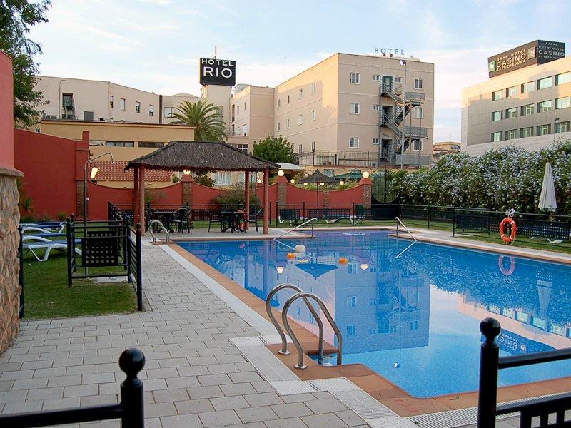 Hotel mercure rio badajoz badajoz logitravel for Hoteles en badajoz con piscina
