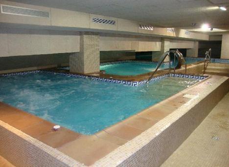 Playamarina spa hotel isla canela desde 87 logitravel for Piscina climatizada merida
