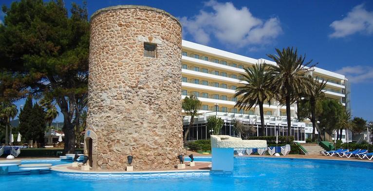 Hotel torre del mar playa den bossa for Piscina torre del mar