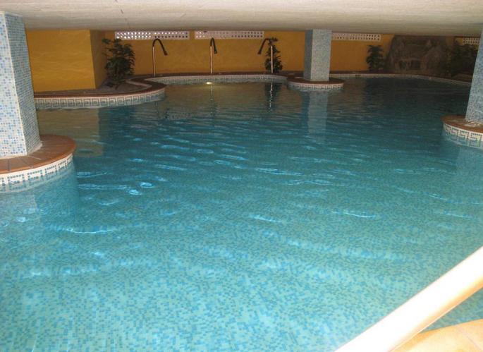 Hotel almu ecar playa spa almu car desde 81 logitravel for Hotel con piscina climatizada