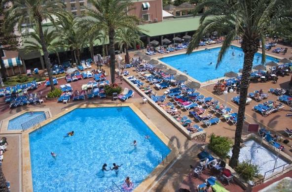 Hotel pueblo benidorm en benidorm costa blanca for Piscinas benidorm