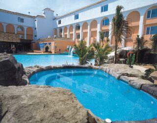 Diverhotel roquetas roquetas de mar desde 59 logitravel for Piscina jacuzzi exterior