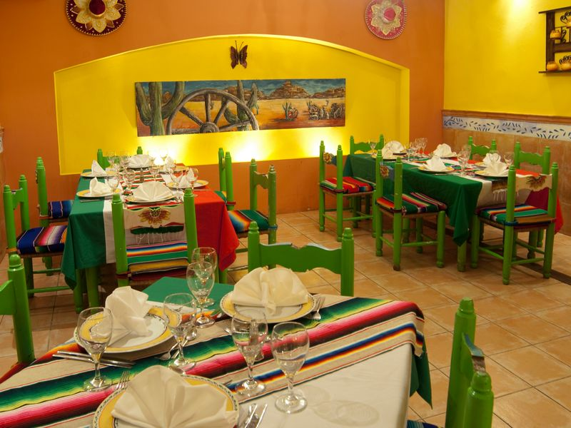 Hotel barcel dominican beach punta cana b varo desde for Los azulejos restaurante mexicano