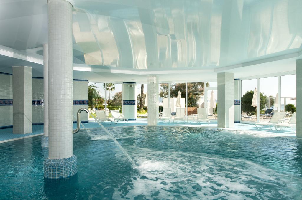 Hotel hipotels flamenco en cala millor mallorca desde 35 for Precio piscina climatizada