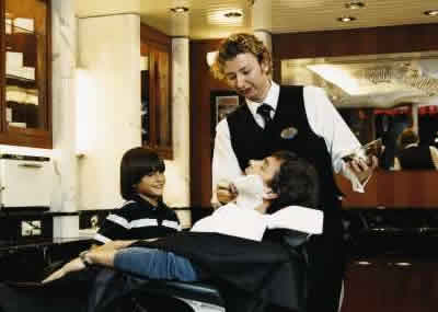 Foto17 - Freedom of the Seas - rci freedom barbershop 3