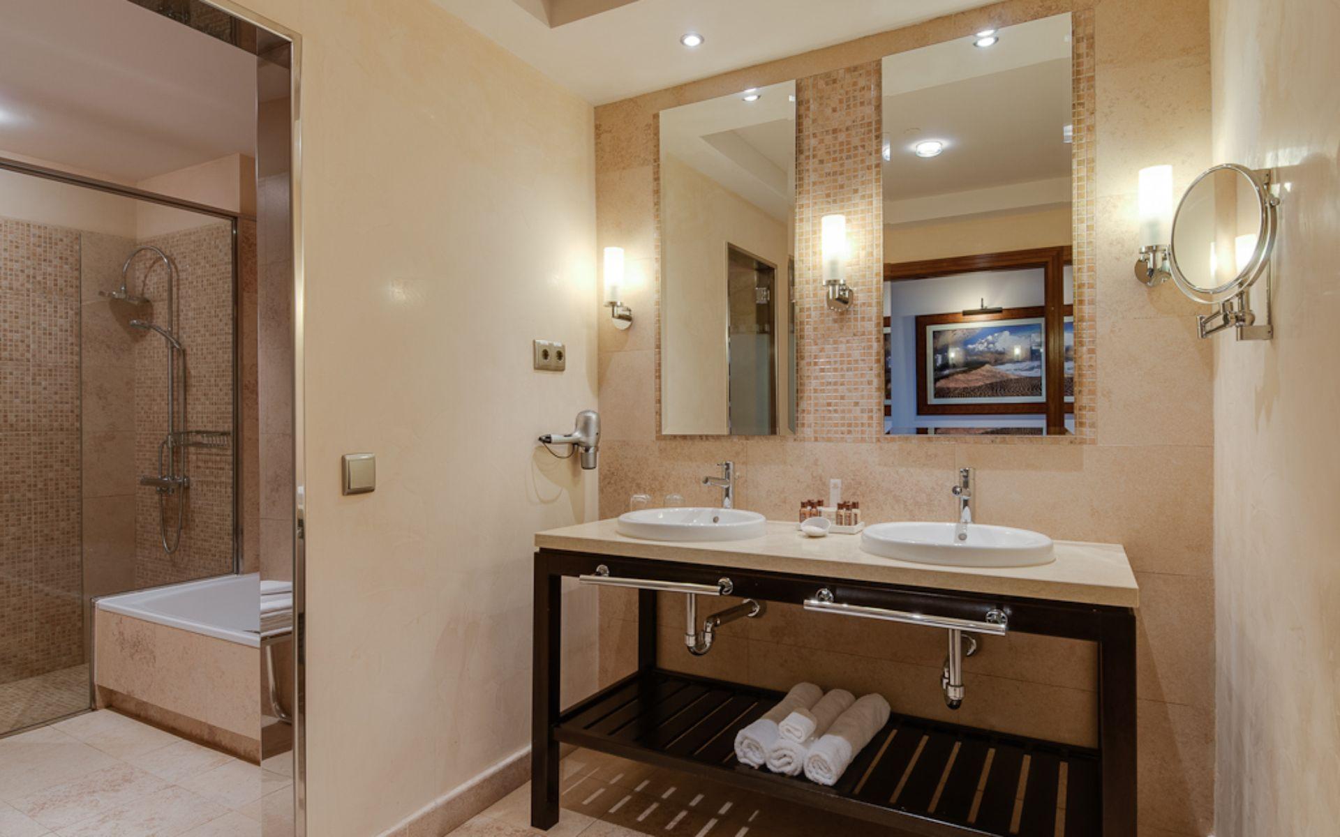 Baños Turcos Zona Caleta:Hotel Sheraton Fuerteventura en Caleta De Fuste – Fuerteventura desde