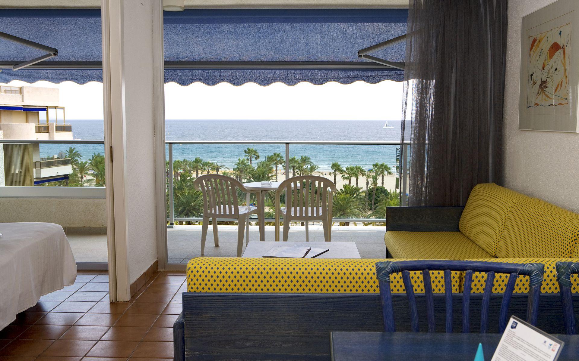 Blaumar hotel en salou costa dorada desde 29 - Television pequena plana ...