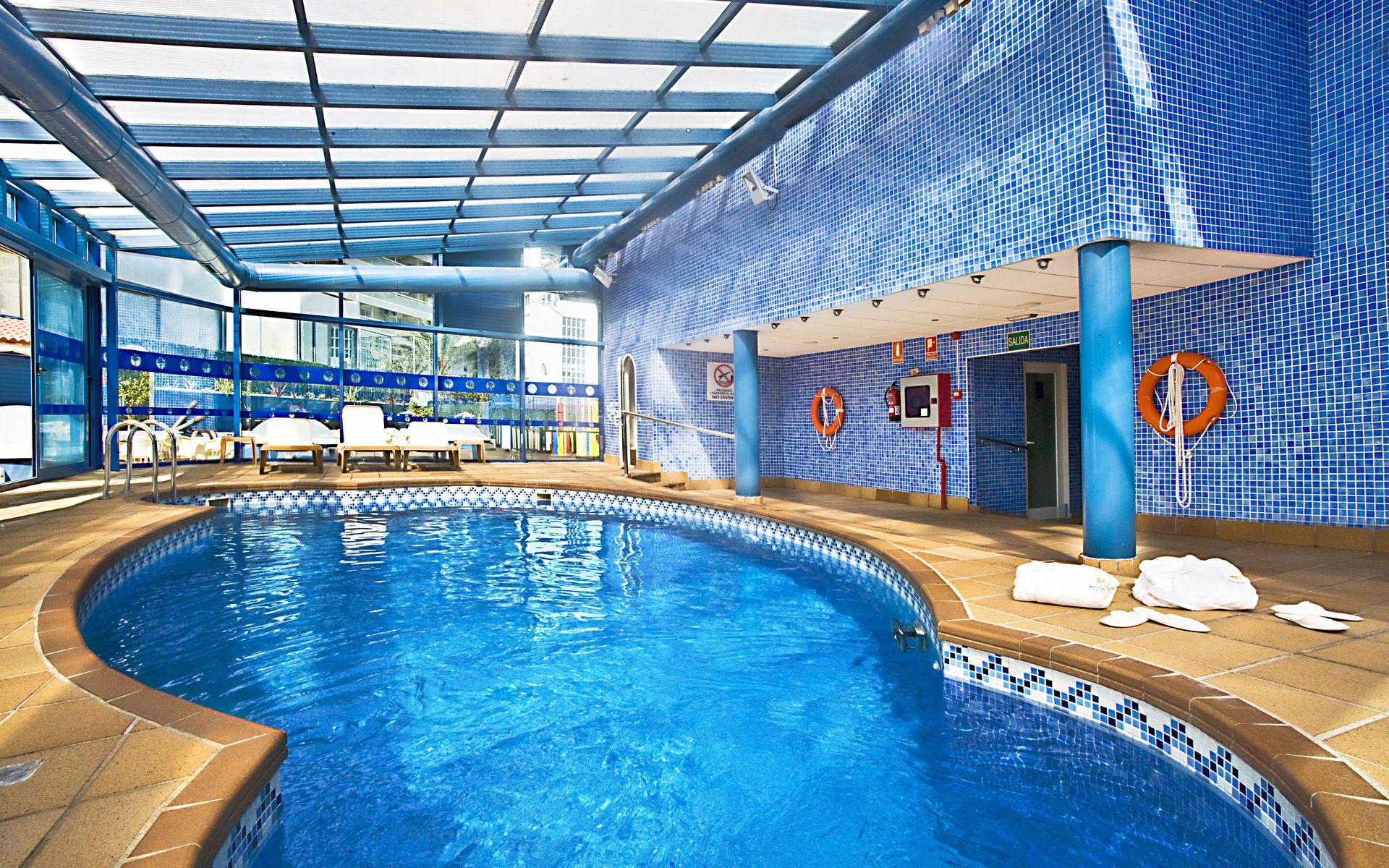 Hotel madeira centro en benidorm costa blanca desde 21 for Piscina climatizada benidorm