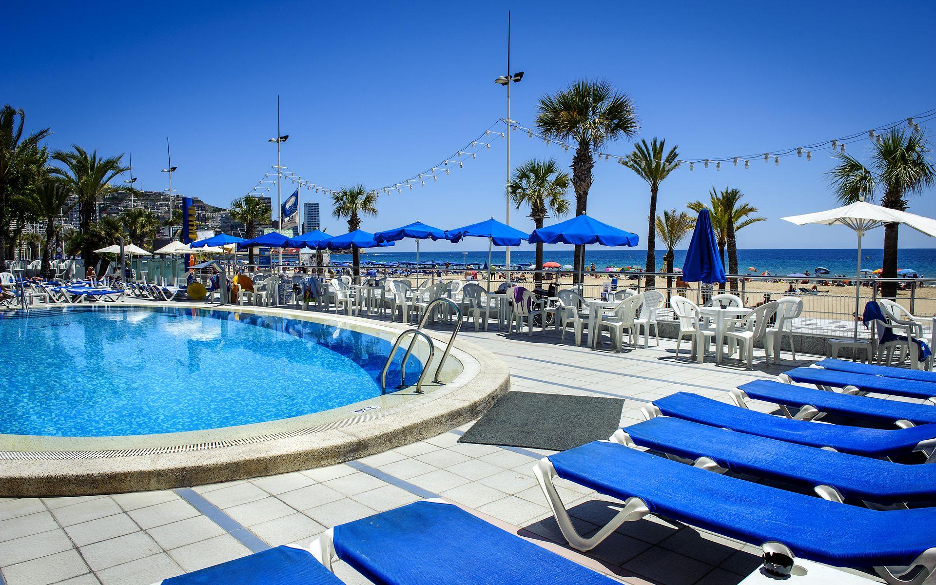 Hotel cimbel en benidorm costa blanca desde 37 for Hoteles en benidorm con piscina climatizada