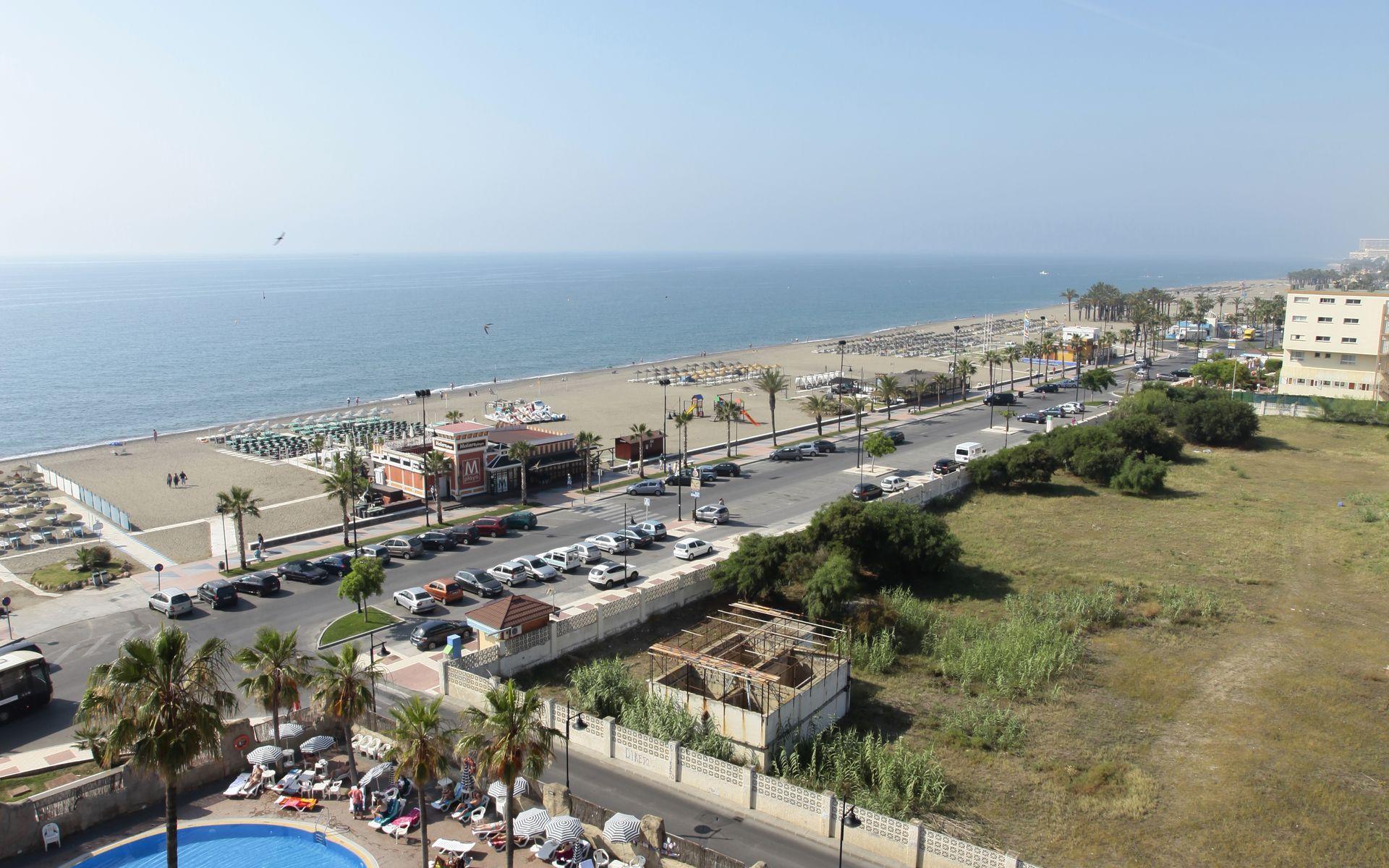 Marconfort beach club hotel all inclusive en for Piscina un molino de viento y una sombrilla