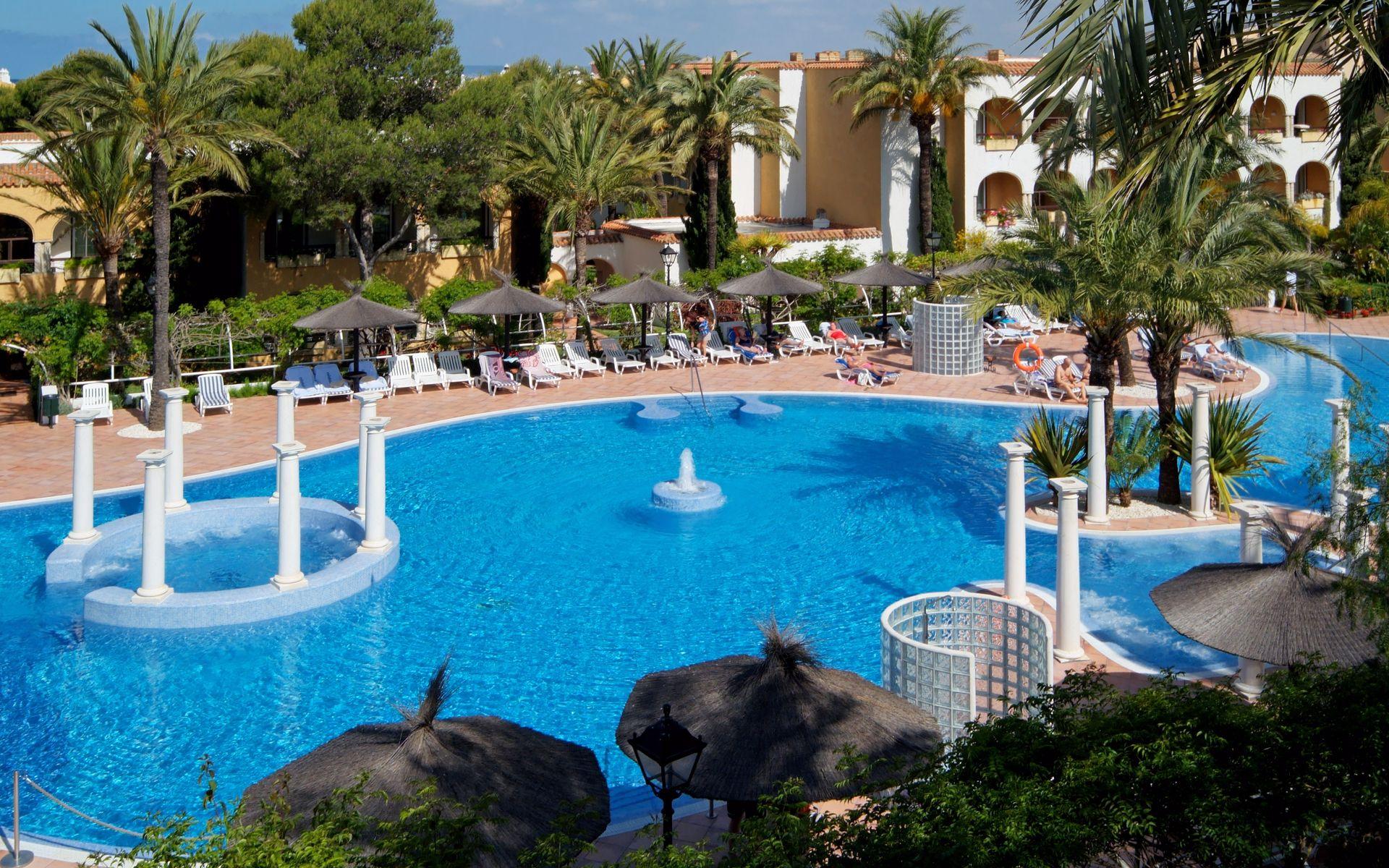 Hotel melia atlanterra en zahara de los atunes costa de for Piscinas naturales zahara delos atunes