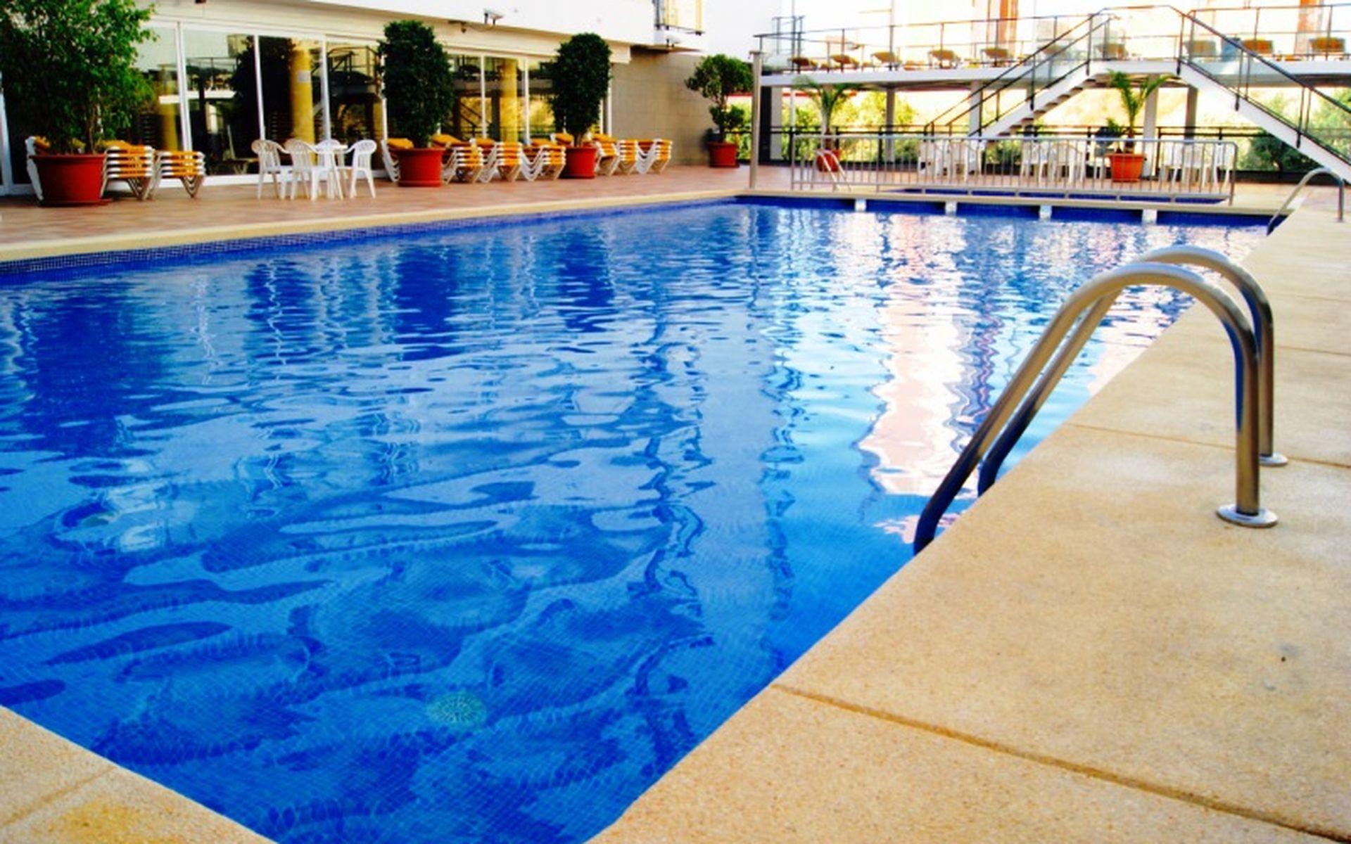 Hotel port fiesta park en benidorm costa blanca desde 26 for Piscina climatizada benidorm