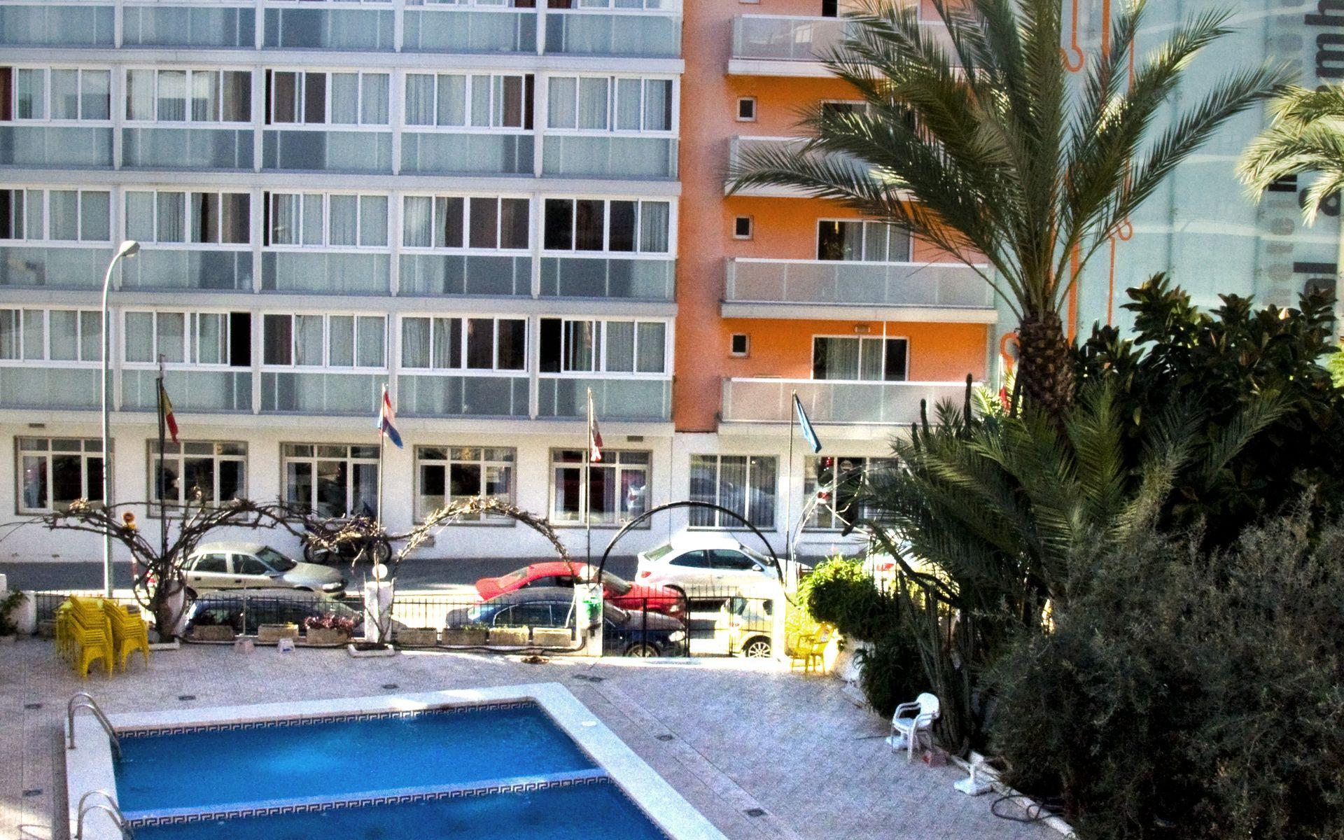 Hotel mh antea benidorm en benidorm costa blanca desde 24 for Piscinas benidorm