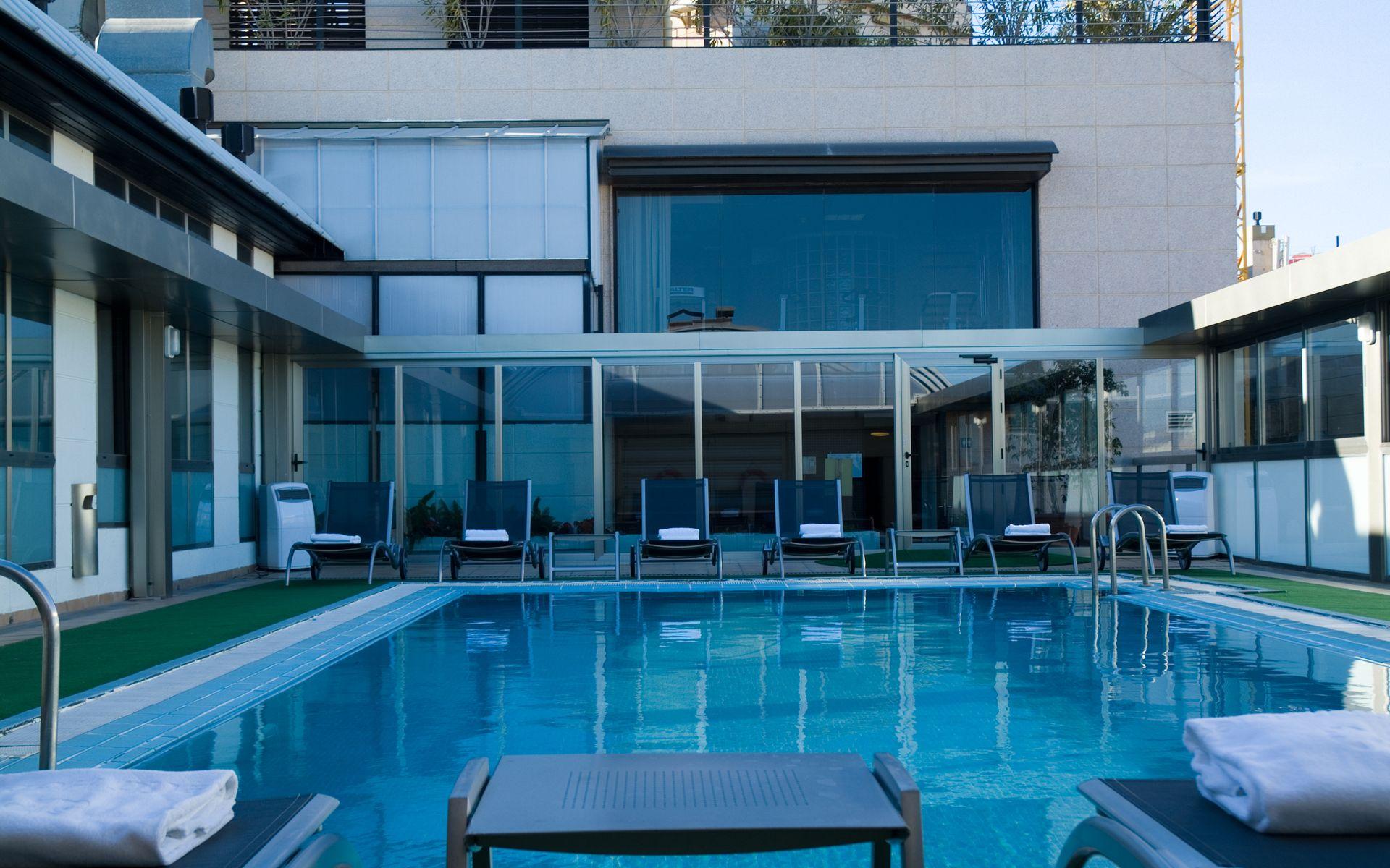 Hotel sh valencia palace valencia logitravel for Piscina climatizada valencia