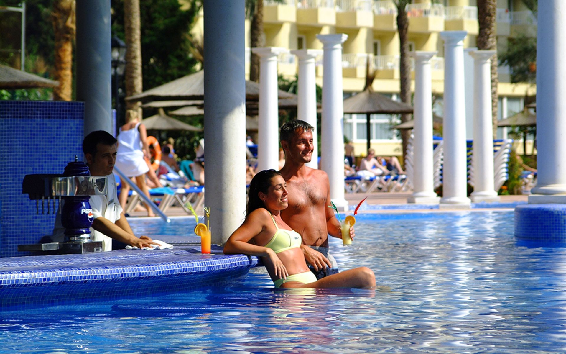 Hotel sol pelicanos ocas en benidorm costa blanca desde 71 - Hoteles con piscina cubierta en benidorm ...