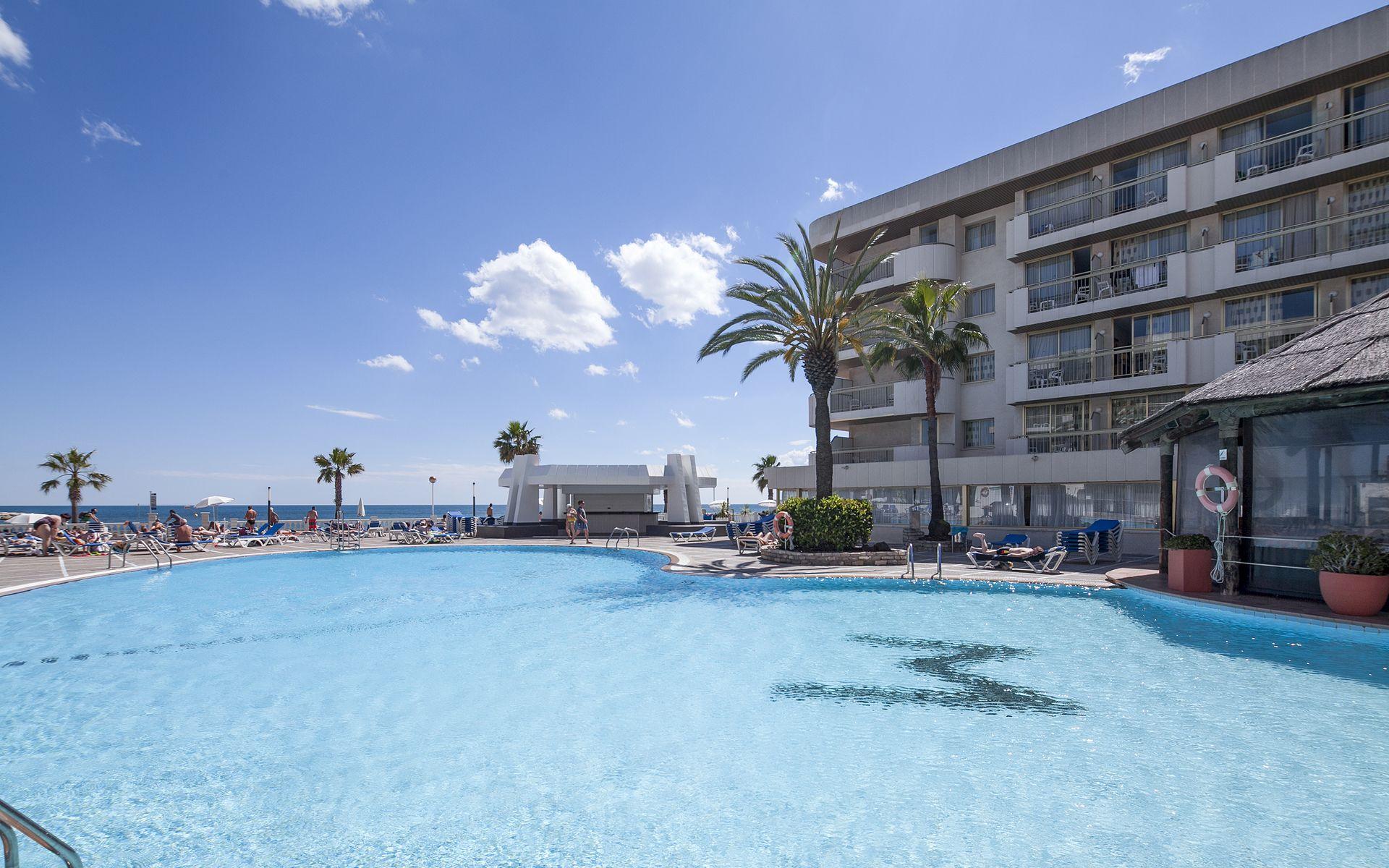 Hotel best maritim en cambrils costa dorada desde 22 for Piscina cambrils