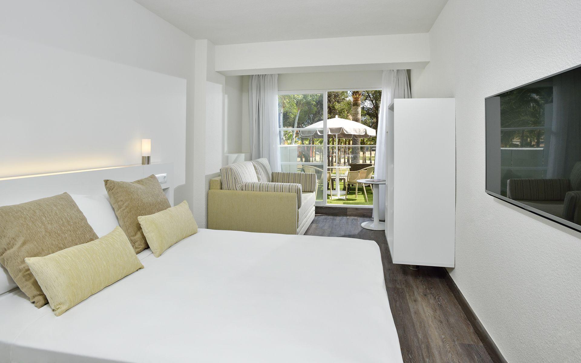 Hotel sol palmanova mallorca en palmanova mallorca for Habitacion familiar estandar