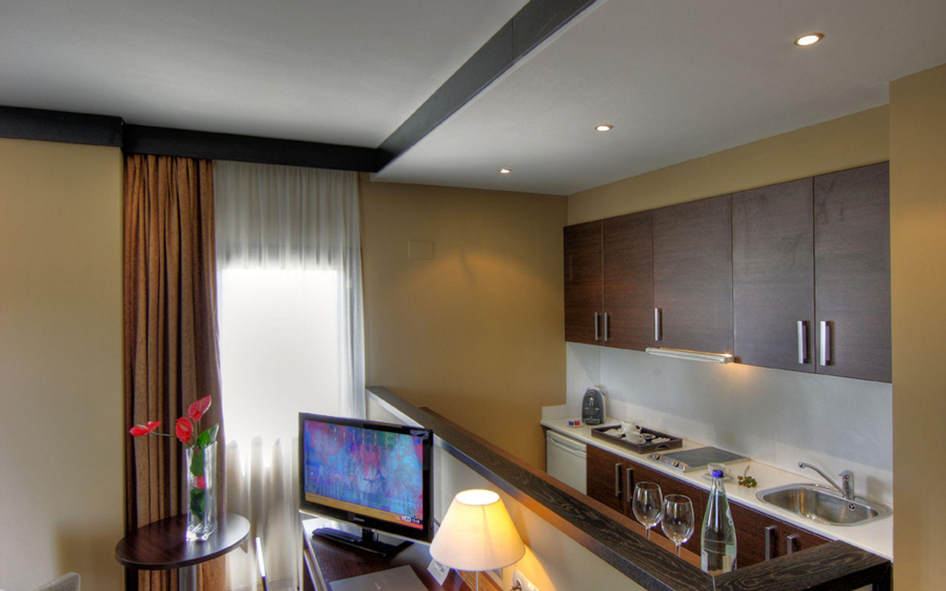 Aparthotel attica 21 vall s sabadell logitravel - Television pequena plana ...