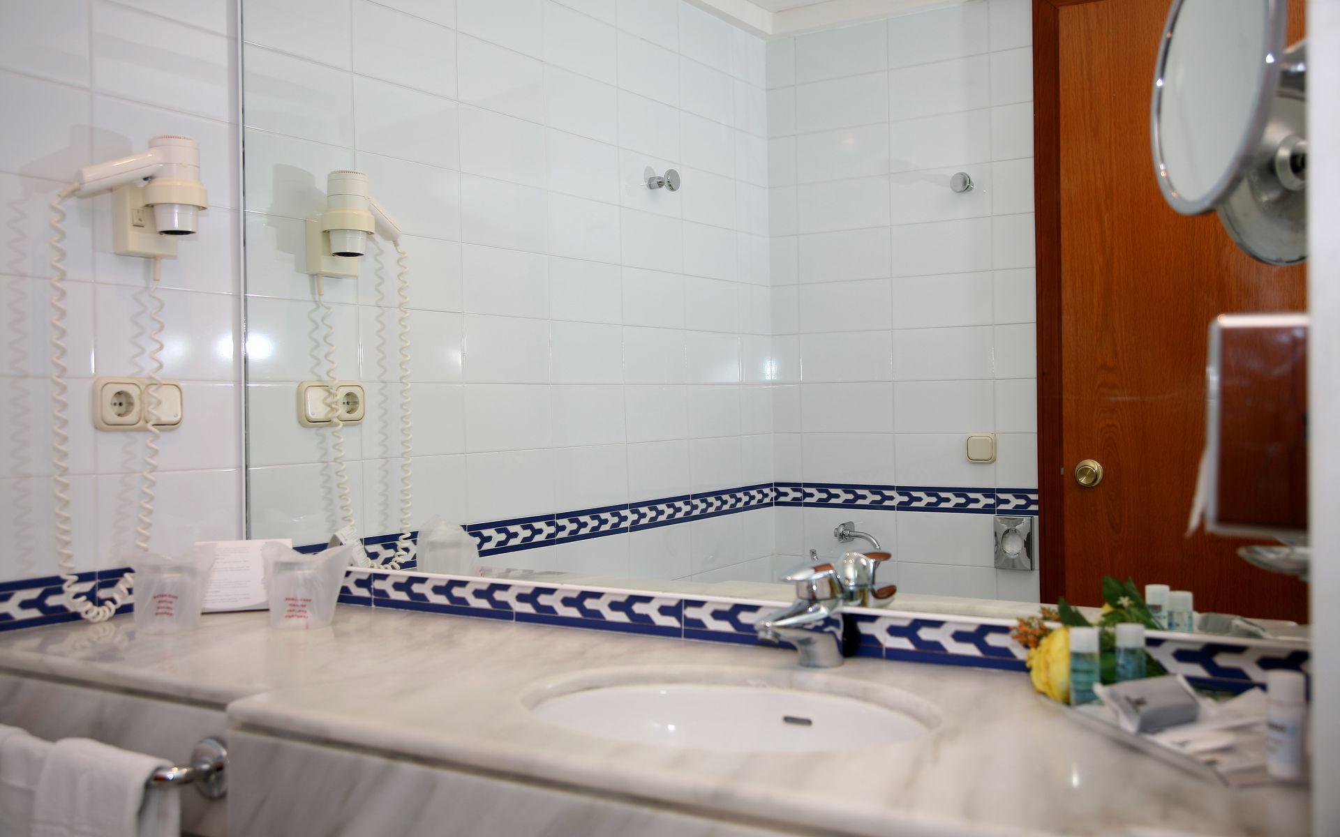 Baño Turco Para Ninos: canales vía satélite tv canales de pago minibar secador de pelo