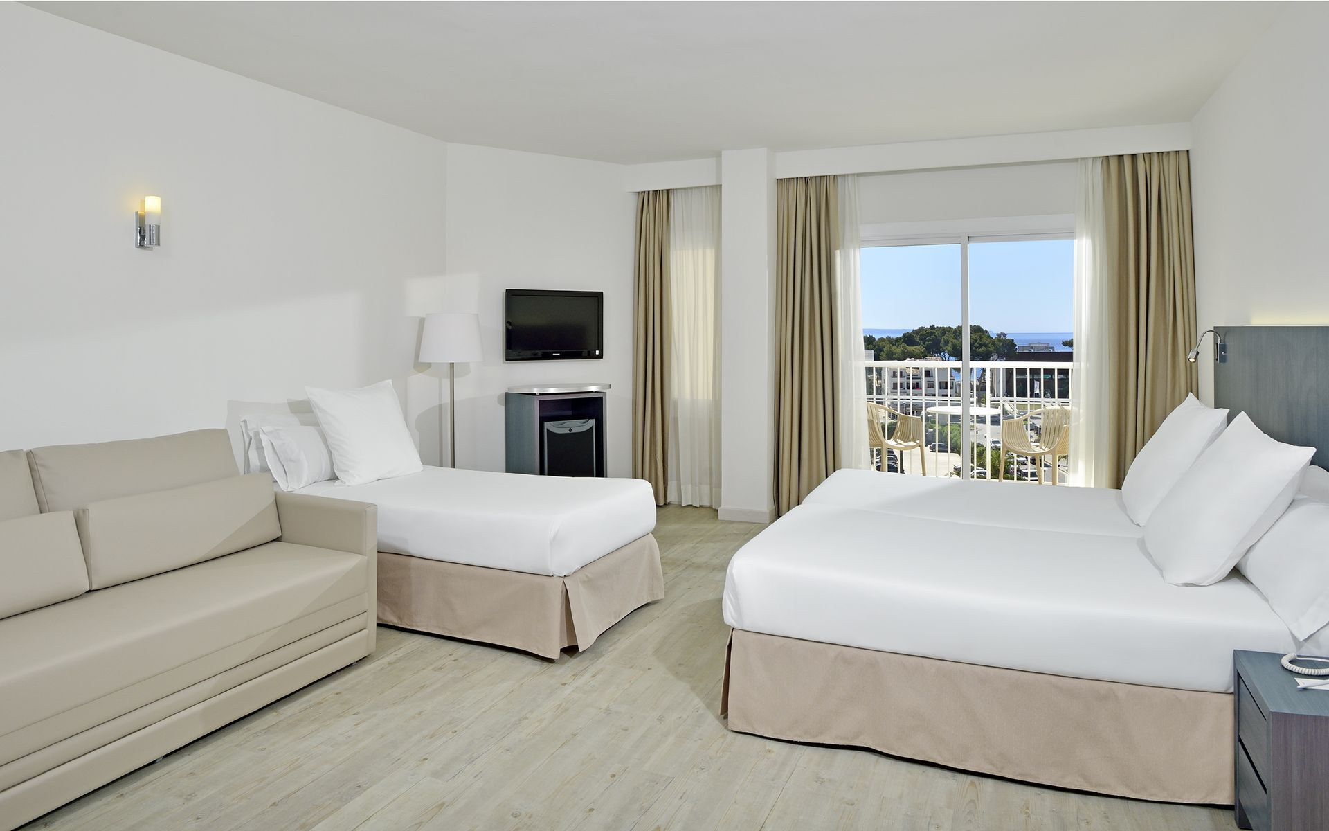 Hotel sol guadalupe en magaluf mallorca desde 33 for Habitacion familiar estandar