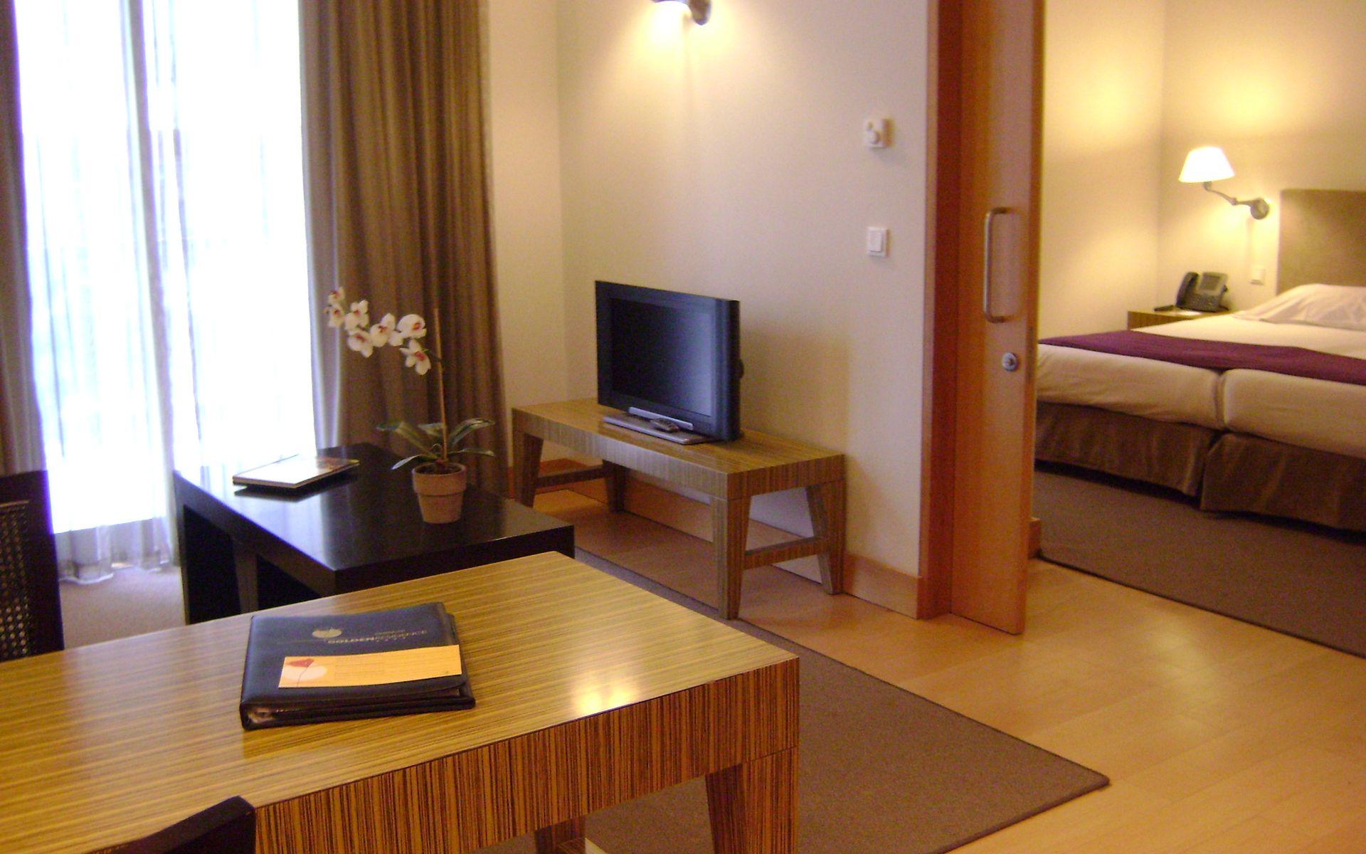 Hotel golden residence en funchal madeira desde 40 - Television pequena plana ...