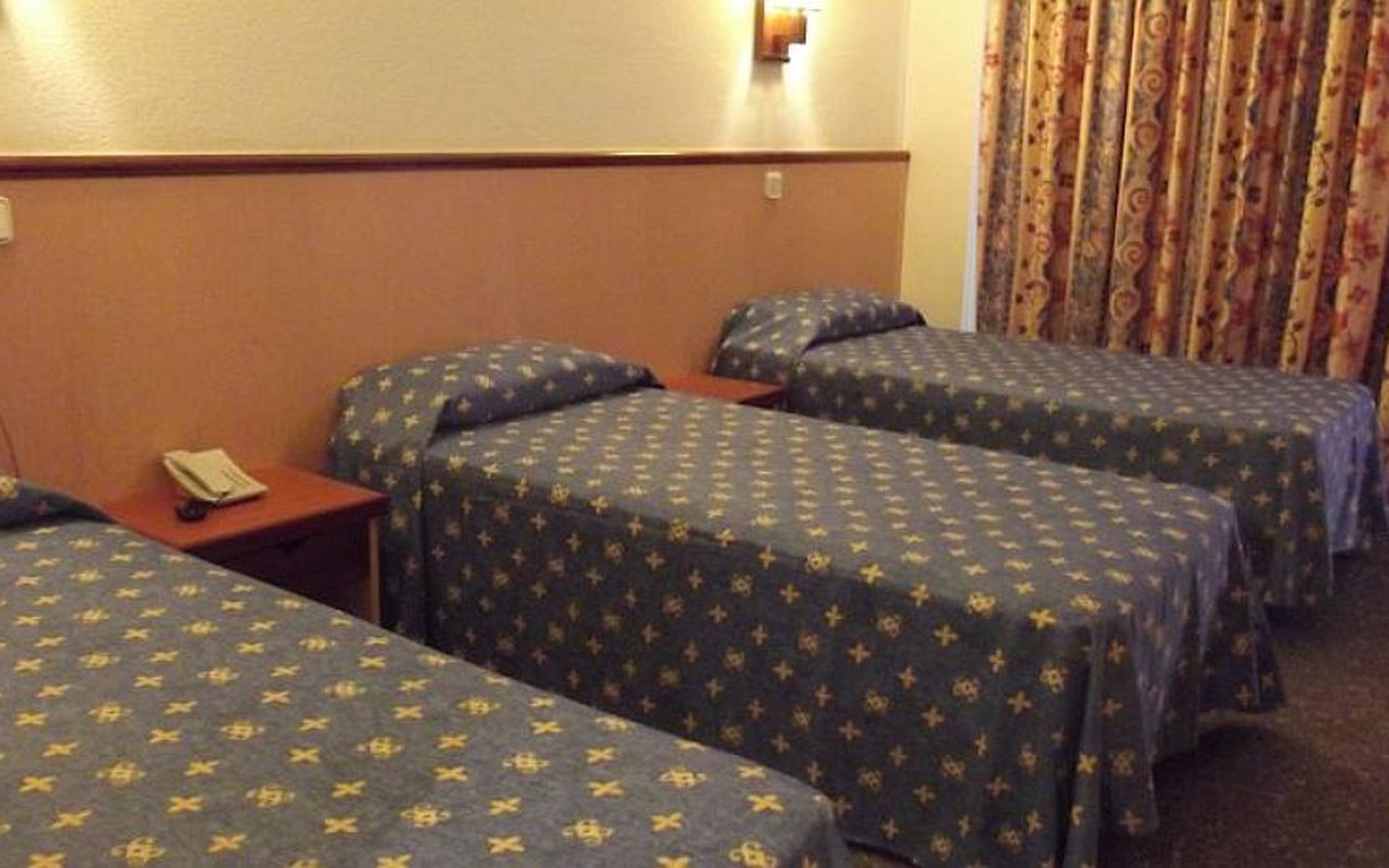 Hotel jaime i en salou costa dorada desde 20 for Habitacion familiar estandar