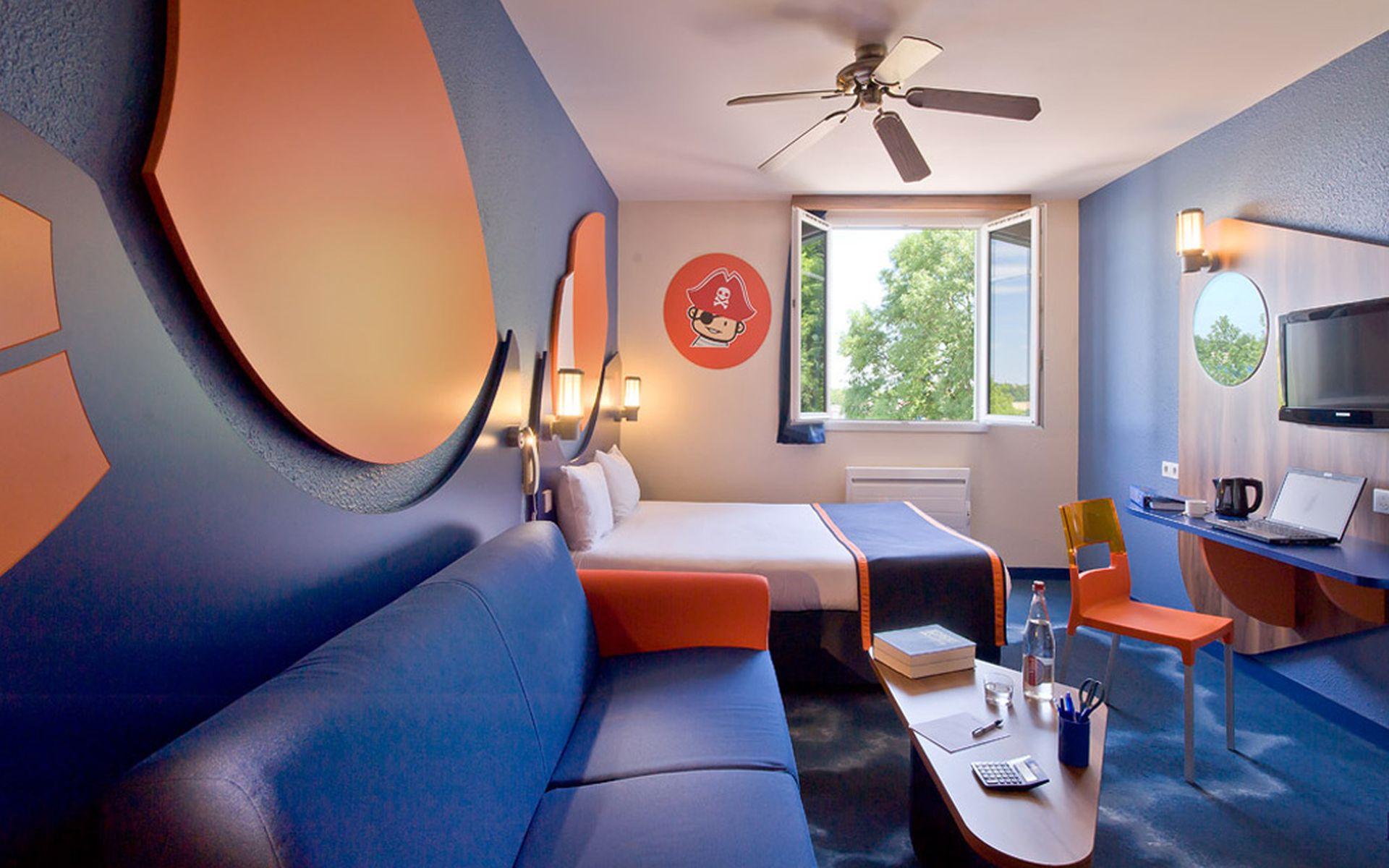 Algonquin explorers hotel disneyland par s desde 36 for Habitacion familiar disneyland paris