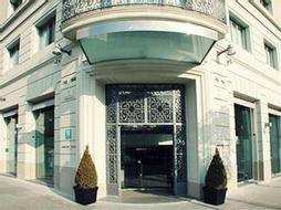 Amister Art Hotel