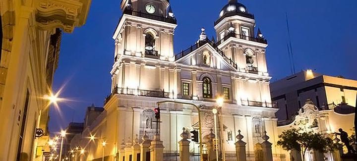 Vuelos baratos de Barcelona a Lima