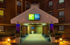 Holiday Inn Express Bristol North image 27