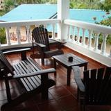 La Tambora Beach Resort