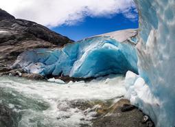 Noruega: Grandiosos Fiordos y Glaciares Al Completo