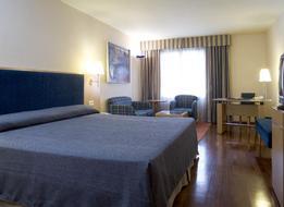 HotelNh Pirineos