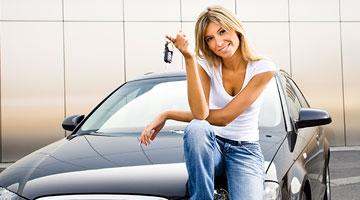 ¿Necesitas alquilar un coche en París?