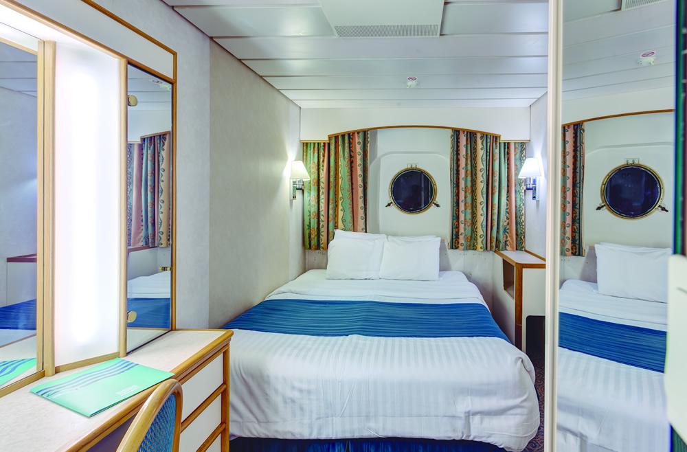Cubierta deck 3 del barco monarch pullmantur for Exterior vista obstruida