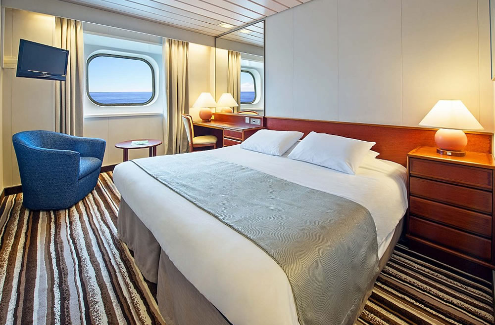 Cubierta boat deck 9 del barco columbus cruise and for Exterior vista obstruida