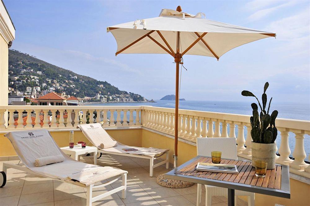 Treni milano alassio savona da 23 offerte di biglietti for Hotel milano alassio
