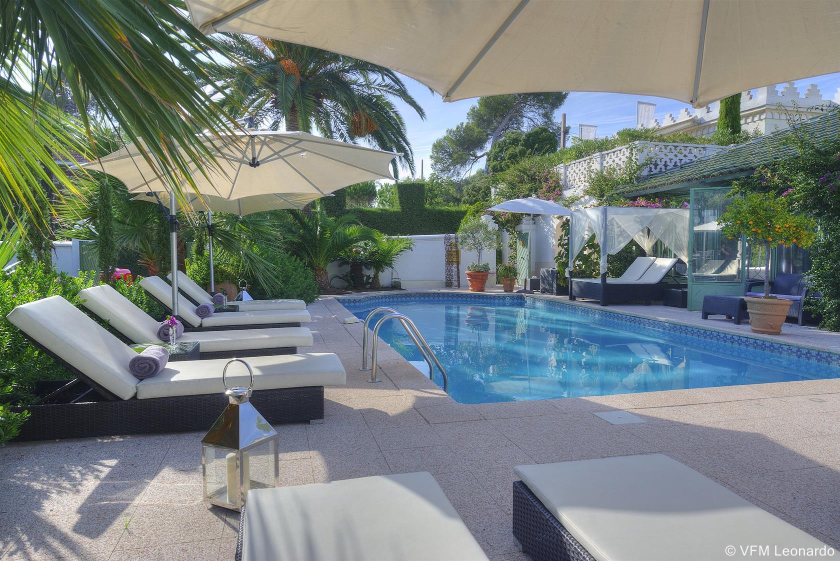 villa bali saint raphael 83 arts et voyages. Black Bedroom Furniture Sets. Home Design Ideas