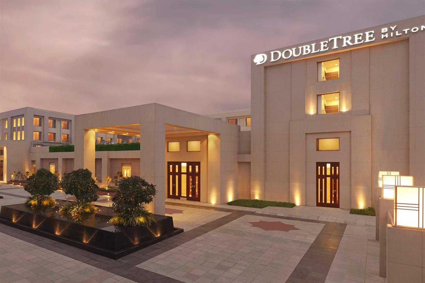 DoubleTree by Hilton Agra