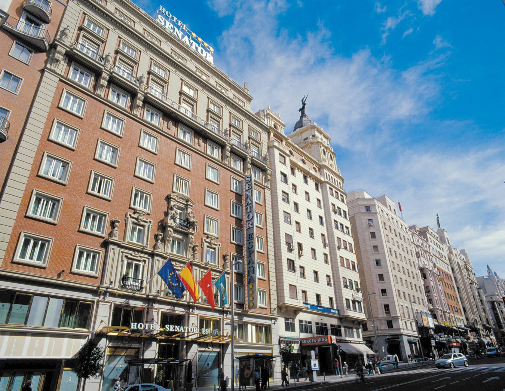 Trenes barcelona madrid desde 36 ofertas de billetes for Ave hotel barcelona madrid