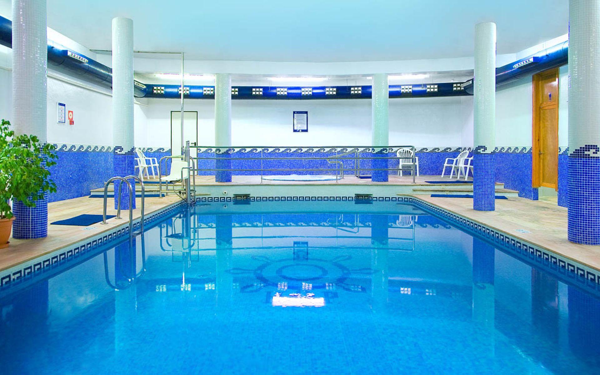 Hotel poseidon resort en benidorm costa blanca desde 35 for Piscina climatizada benidorm