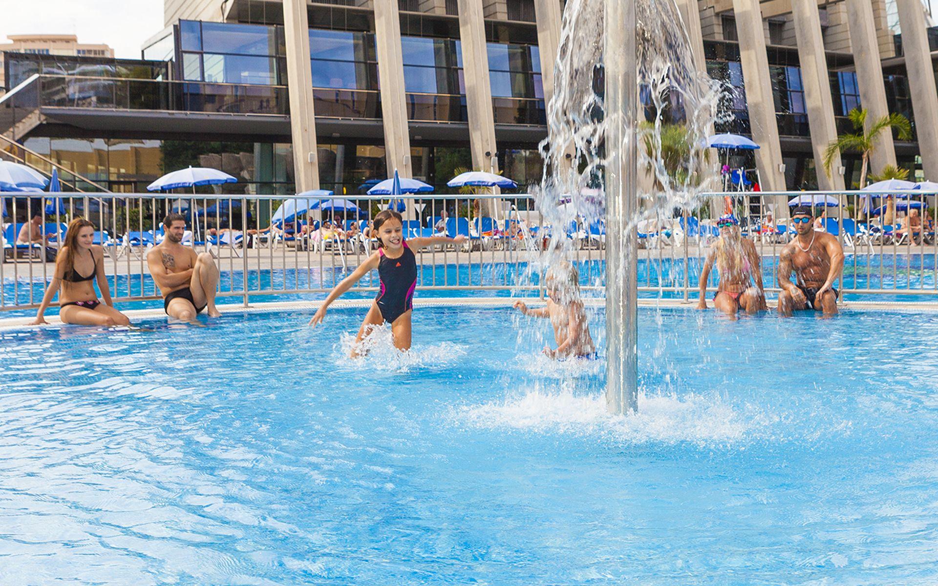 Gran hotel bali en benidorm costa blanca desde 33 for Piscinas benidorm